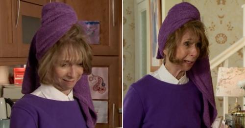 Coronation Street fans spot towel 'mistake' in Gail's return story