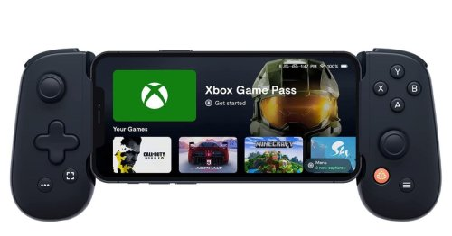 How an iPhone and Backbone One let me play Xbox in bed – Reader's Feature