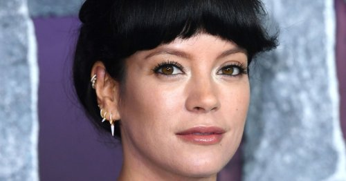 Queen Lily Allen feeling herself with the early-morning mirror selfies after slamming weight loss critics