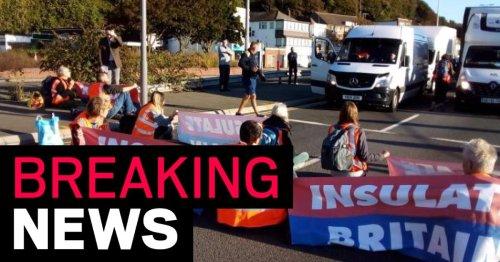 Chaos at Heathrow as Insulate Britain block M25 near airport