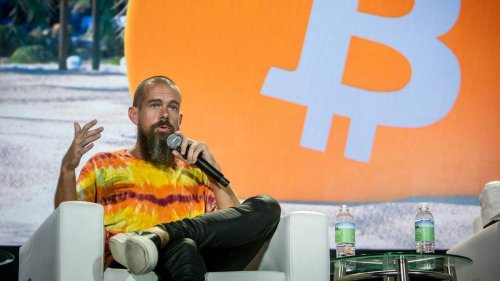 Twitter CEO tells Miami audience of 15,000: Bitcoin 'changes absolutely everything'