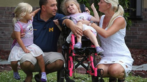 Para conseguir justicia, se vieron obligados a demostrar la inteligencia de su hija discapacitada