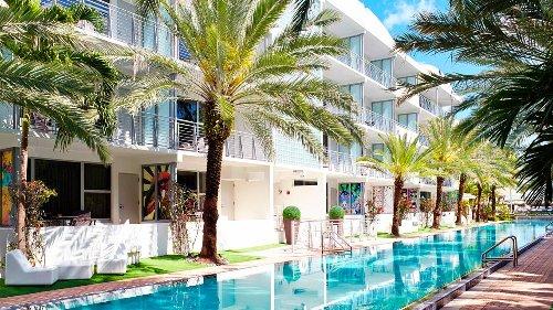 Hotel solo para adultos en Miami Beach tiene un nuevo restaurante español y bar privado