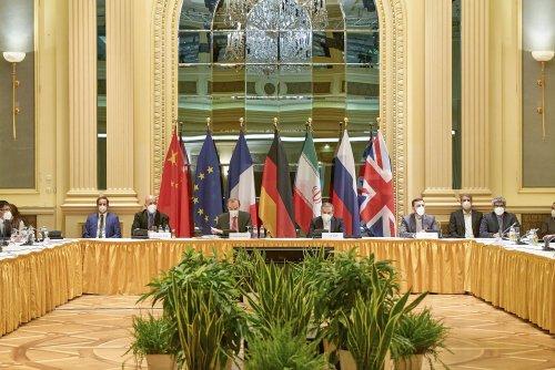 Iranian press review: Iran's negotiating team faces calls to quit nuclear talks