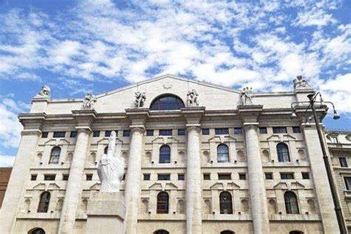 Piazza Affari chiude sopra la parità (+0,3%). Spread intorno a 100 punti - MilanoFinanza.it
