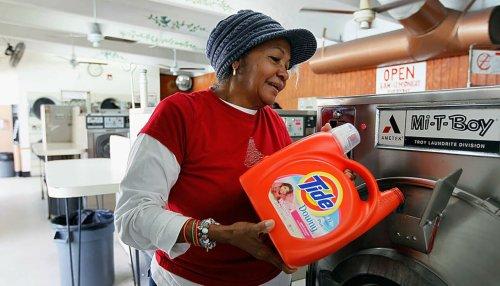 25 Worst Liquid Laundry Detergents - Mind Your Dollars