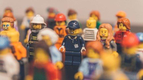 11 Secrets of LEGO Designers