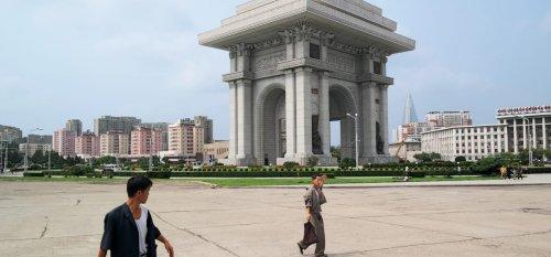 10 Behind-the-Scenes Photos of North Korea