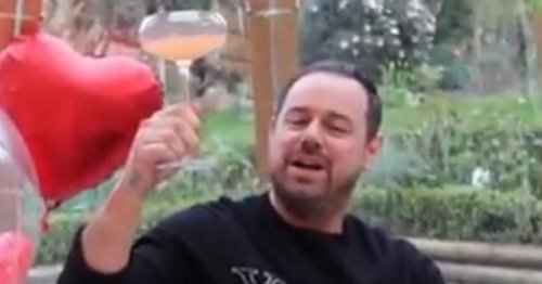 EastEnders' Danny Dyer builds £5,000 igloo in garden to entertain pals