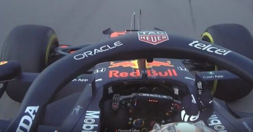 """Max Verstappen gives """"idiot"""" Lewis Hamilton the finger in US GP practice session"""