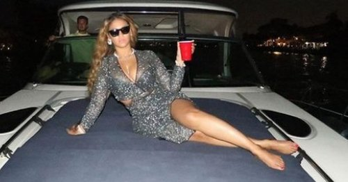 Beyonce ignores Photoshop rumours as she spoils fans with Miami party snaps
