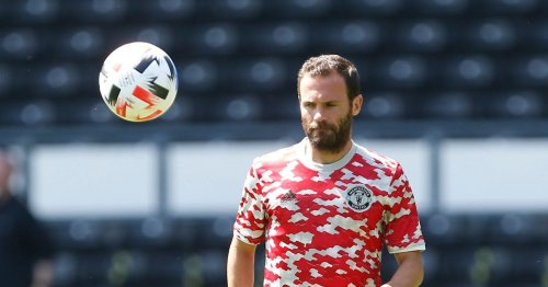 Mata 'offered new Man Utd role' which sheds fresh light on contract extension