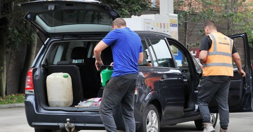 Panic buyers risk blowing up their cars as full jerry cans could explode