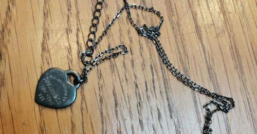 Woman saves family after noticing jewellery turn black and 'smell of death'