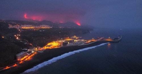 Enormous 'toxic' cloud fills sky as lava from exploded volcano hits ocean