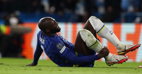 Lukaku hands Chelsea major injury concern after limping off in Champions League