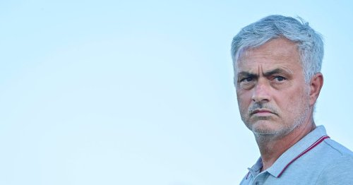 """Mourinho bemoans """"s***"""" Fortnite with Roma stars playing it night before a game"""