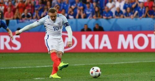 Wayne Rooney slams England boo-boys for reaction to Scotland draw