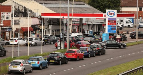 Petrol stations announce £30 limit on fuel after 'unprecedented' customer demand