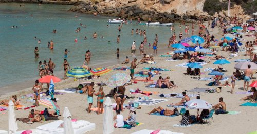 Brits rush to book half-term holidays as amber list scrapped for double-jabbed
