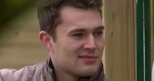 Hollyoaks fans 'confused' as they slam Curtis Pritchard's 'awful' acting