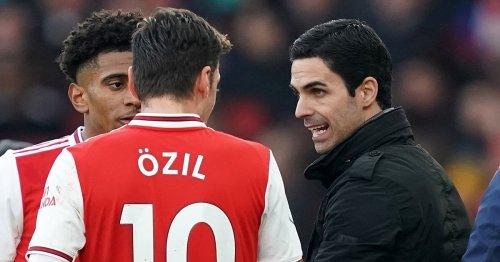 Arsenal still suffering from curse Robin van Persie & Mesut Ozil endured