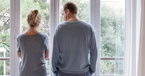 Counsellor warns about 'negging' in relationships and red flags to look out for