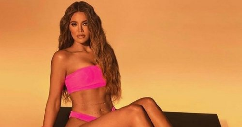 Khloe Kardashian accused of photoshop fail after fans notice she has six toes