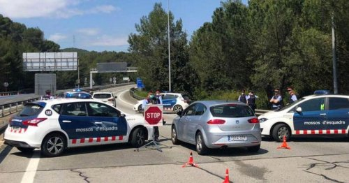 Man drove boyfriend's decomposing body around Europe to 'fulfil bucket list'