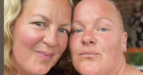 EastEnders' Lorraine Stanley with lookalike sister as fans brand them 'twins'