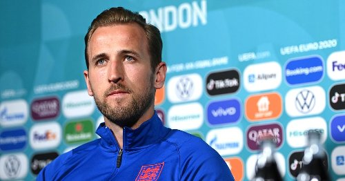 Harry Kane explains why he didn't move Coca Cola bottles in front of him
