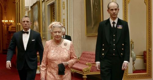 Queen didn't tell royals about Bond sketch - William's reaction was brilliant