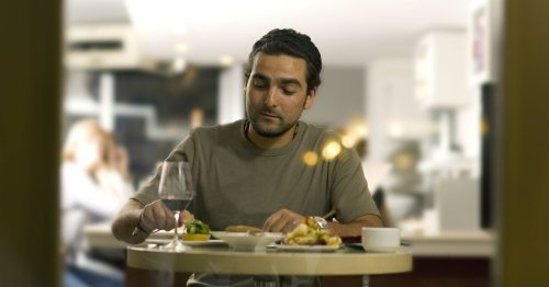 Man orders takeaway under false name to prove staff cook it differently