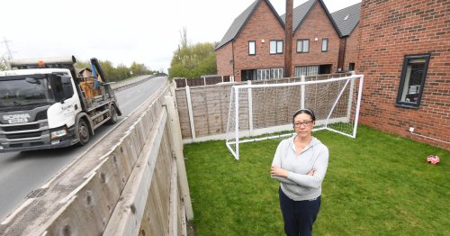 Mum who bought £325k home by noisy road hits back at unsympathetic trolls