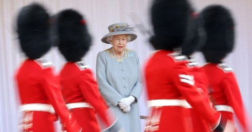 Queen wears same outfit twice this month because she's mourning Prince Philip