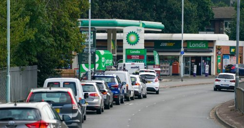 Petrol pump chaos could last another week with Boris Johnson 'warned in June'