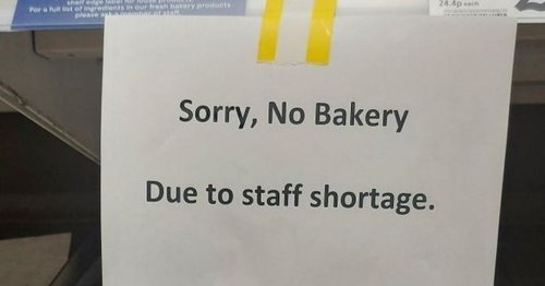 Tesco shoppers in stitches over awkward mistake on sign in bakery aisle