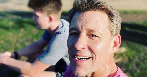 Ben Shephard wows fans as he shows off huge muscles while getting Covid vaccine