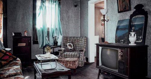 Woman discovers time capsule full of old photos in abandoned 'grandma's house'