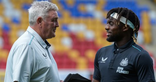 Newcastle star Saint-Maximin posts touching Bruce tribute after sack confirmed