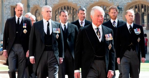 Senior Royals urge Prince William and Harry to reunite for 'good of monarchy'