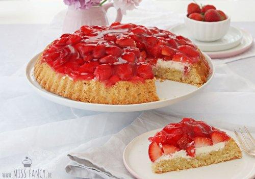 Erdbeerboden mit Mascarpone | Miss Fancy - Food & more Blog