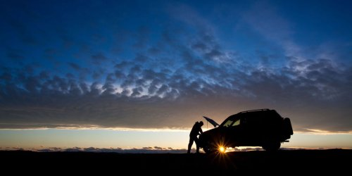 10 things to keep in your car to stay safe on the road