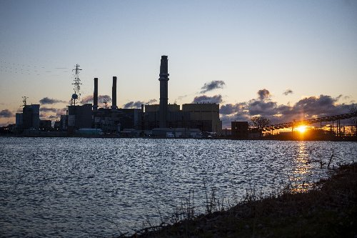 Consumers Energy plans to end coal use by 2025, close all coal plants early