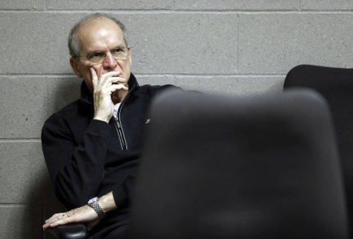 More ex-Michigan football players, coaches come to Bo's defense