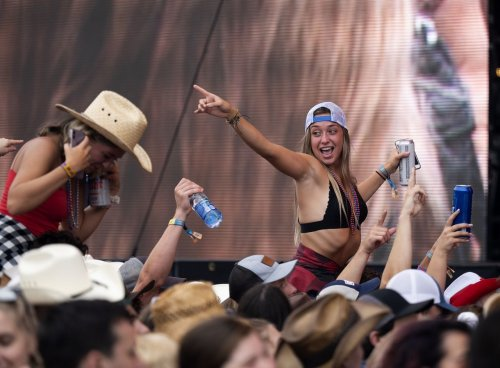Our 25 favorite photos from a soggy Friday at the Faster Horses Festival