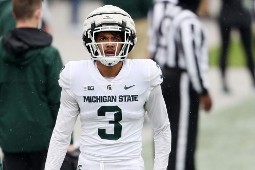 One-handed pick just the start of Xavier Henderson's heroics for MSU this season