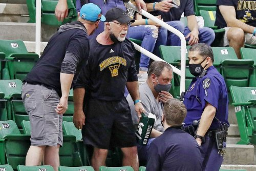 Fan removed from basketball state championship game for refusing to wear mask