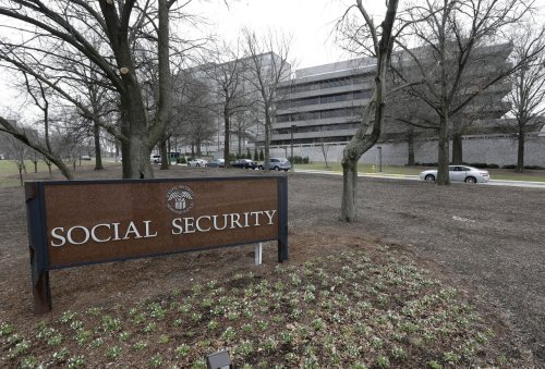 Which states have the highest monthly Social Security payments?