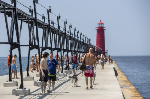 See Farmer's Almanac predictions for Great Lakes' summer weather